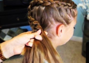 DIY Braided Rose Flower Hairstyle4