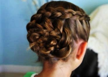 DIY Braided Rose Flower Hairstyle7