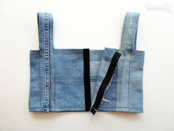 DIY-Sexy-Crop-Top-from-Old-Jean07.jpg