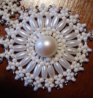 Beaded-necklace05.jpg
