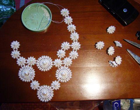 Beaded-necklace06.jpg