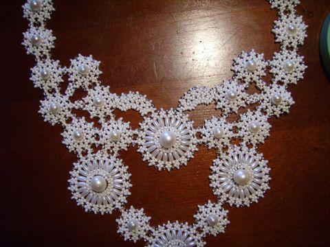 Beaded-necklace08.jpg