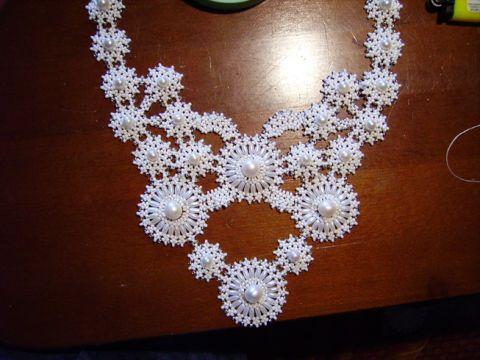 Beaded-necklace09.jpg