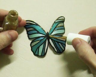 Butterfly-Made-with-Plastic-Bottles-10.jpg