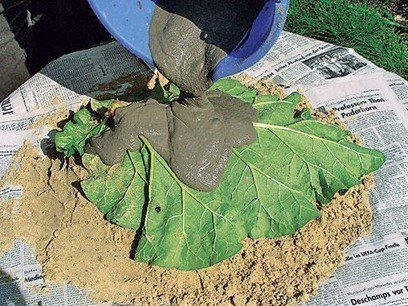 DIY-Sand-Cast-Birdbath-in-Leaf-Shape05.jpg