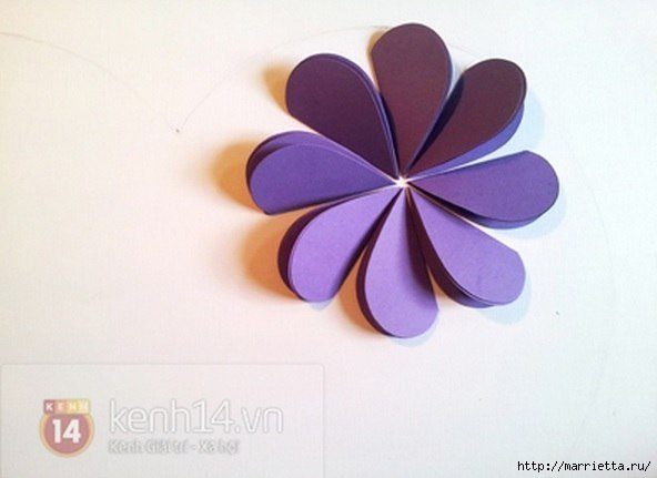 Easy-paper-heart-flower-wall-art07.jpg