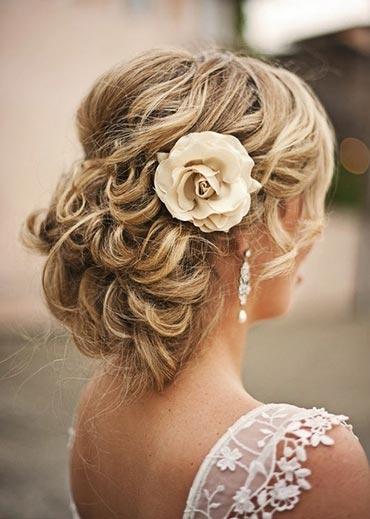 Red-Carpet-Looking-Updo-Wedding-Hairstyle01.jpg