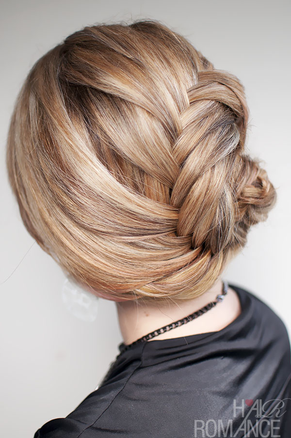 Side braided hairstyle3