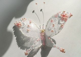 beaded-Lacey-butterfly-from-plastic-bottles01.jpg