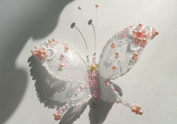 beaded-Lacey-butterfly-from-plastic-bottles06.jpg