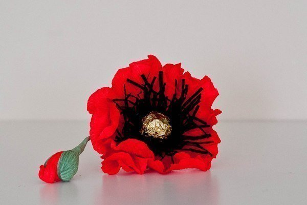 How to make red chocolate poppy flower bouquet fab art diy chocolate paper poppies01g mightylinksfo