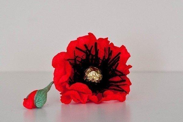 How to make red chocolate poppy flower bouquet fab art diy chocolate paper poppies01g mightylinksfo