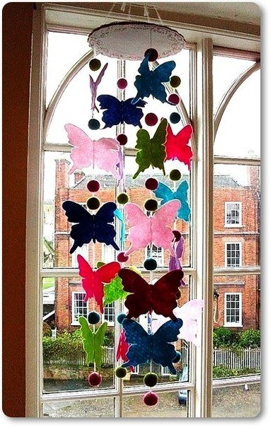 colorful-felt-butterfly-mobile01.jpg