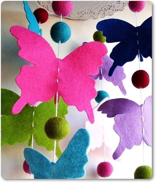 colorful-felt-butterfly-mobile02.jpg