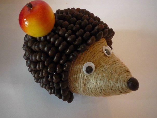 diy-cute-coffeebean-hedgehog01.jpg