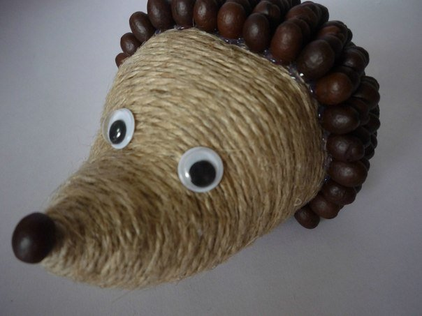 diy-cute-coffeebean-hedgehog07.jpg