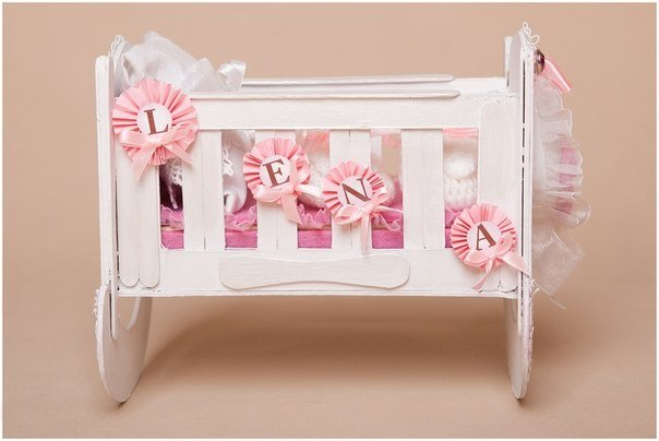 doll-crib-from-cardbard-and-popsicle-stick03.jpg