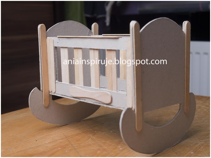 doll-crib-from-cardbard-and-popsicle-stick16.jpg