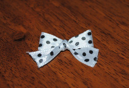 ribbon-bow-with-fork01.jpg