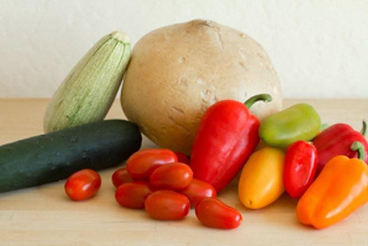 Amazing-Vegetables-Boats01.jpg