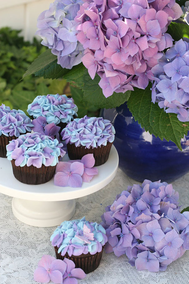 25+ DIY Creative Cupcake Decorating Ideas and tutorials