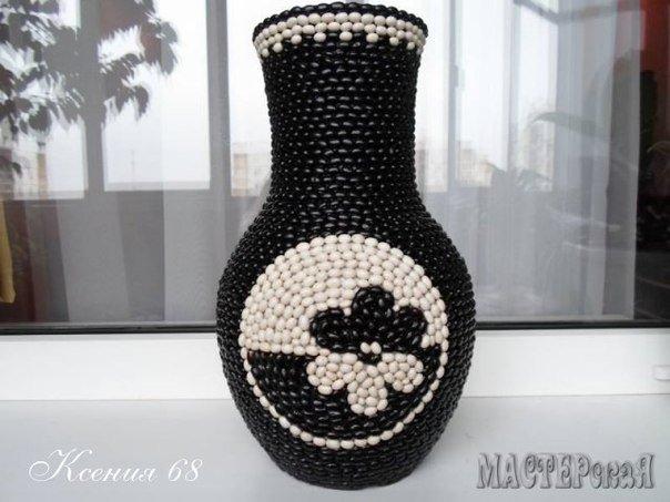 Floral-bean-decorated-Vase01.jpg