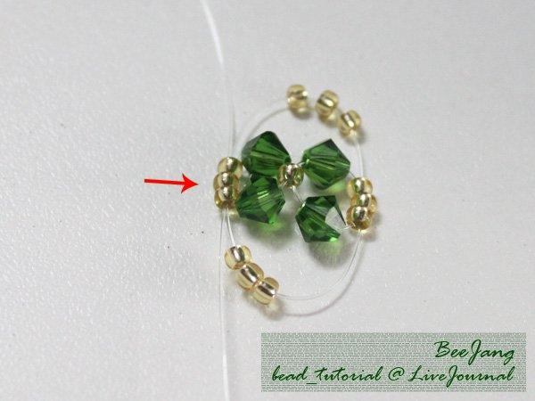 Four-Leaf-Clover-Beaded-Bracelet04.jpg