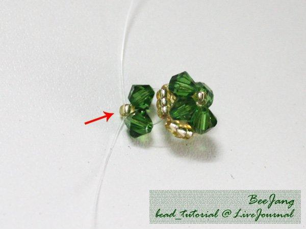 Four-Leaf-Clover-Beaded-Bracelet05.jpg