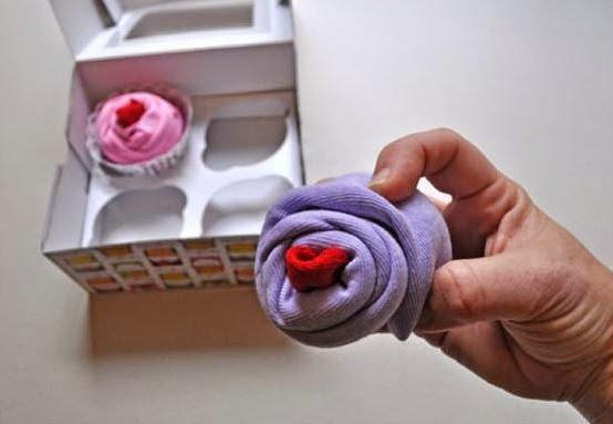 cupcake-onesies-baby-gift06.jpg