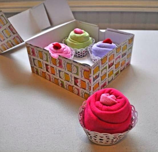 cupcake-onesies-baby-gift09.jpg