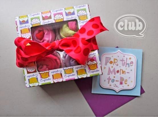 cupcake-onesies-baby-gift10.jpg