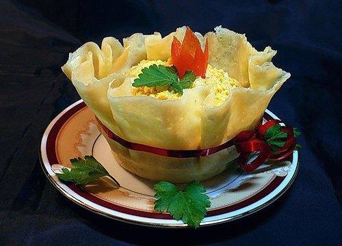 DIY Edible Cheese Salad Bowls Recipe 1