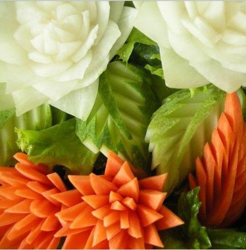 diy-perfect-carrot-flowers-for-salads-garnish-8.jpg