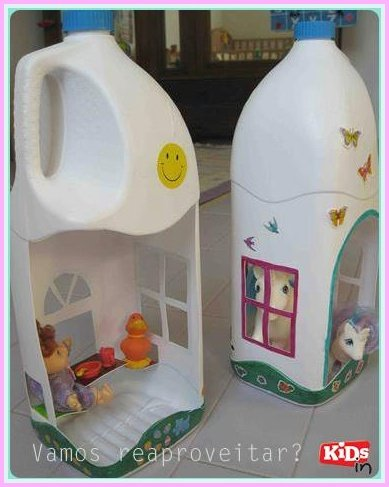 doll-house-from-plastic-bottles01.jpg