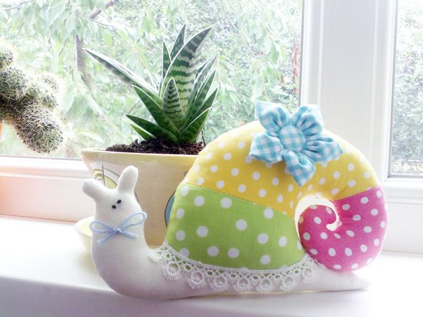 DIY Cute Fabric Snail Pillow Free Sewing Pattern - Template Download