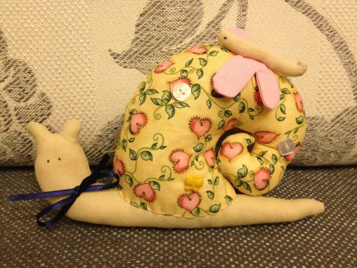 fabric-snail-pillow16.jpg