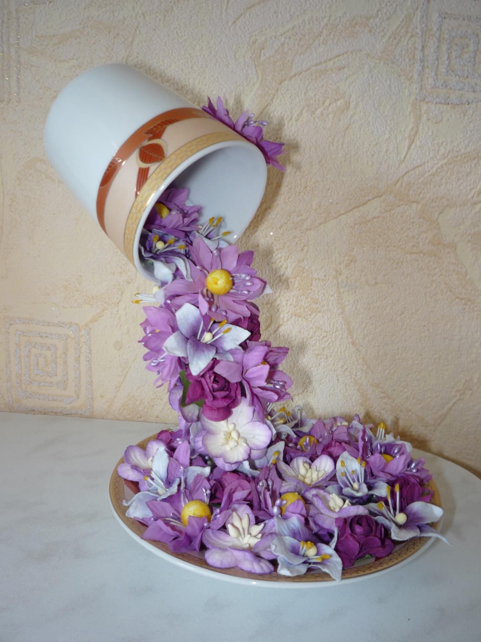 flying-cup-flowers09.jpg