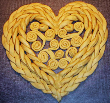 How To Make Heart Shaped Twist Bread Diy Tutorials