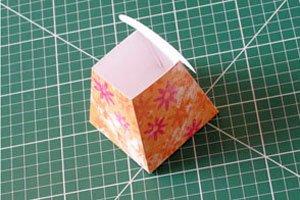 paper-watering-can-basket04.jpg