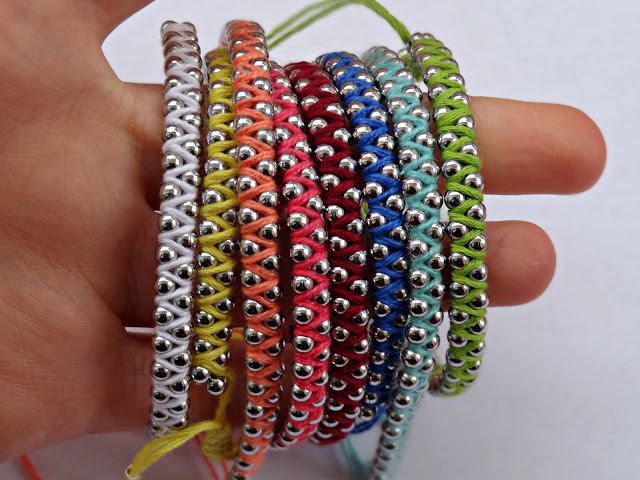 DIY-Rainbow-Friendship-Bracelet00.jpg