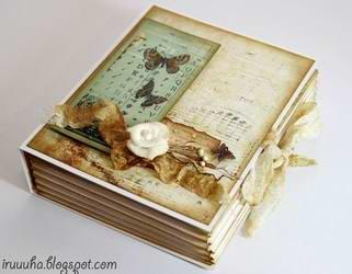 DIY-Vintage-Scrapbooking-Gift-Box01.jpg