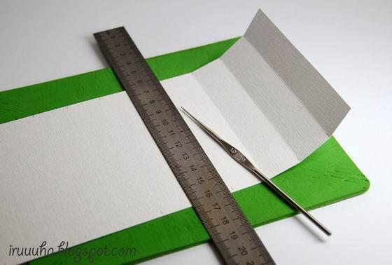 DIY-Vintage-Scrapbooking-Gift-Box03.jpg