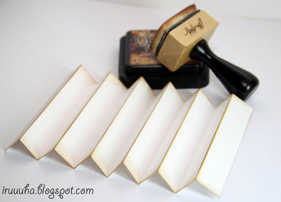 DIY-Vintage-Scrapbooking-Gift-Box05.jpg