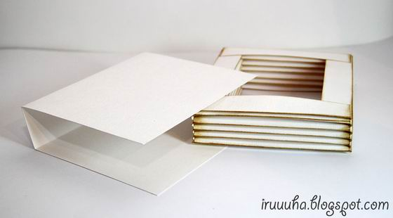 DIY-Vintage-Scrapbooking-Gift-Box09.jpg