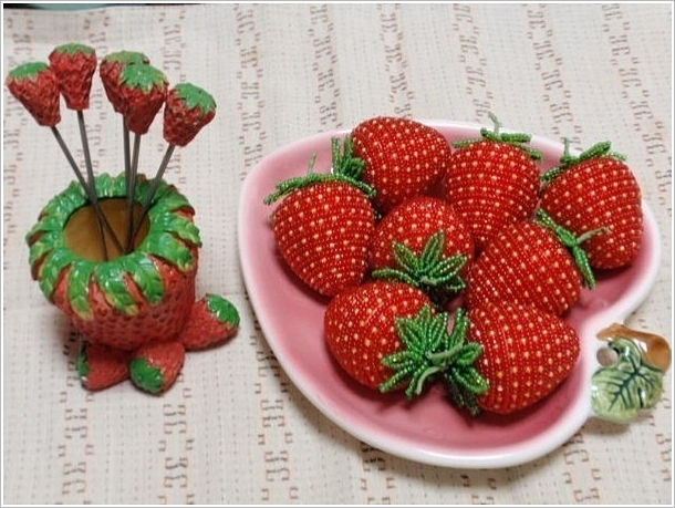 DIY bead strawberry01