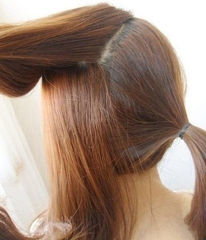 easy-twist-side-ponytail-hairstyle03.jpg