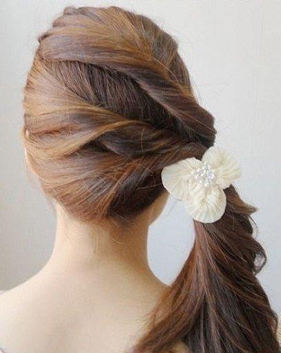 easy-twist-side-ponytail-hairstyle07.jpg
