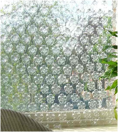 How to DIY Make Beautiful Curtain with Plastic Bottles4.jpg