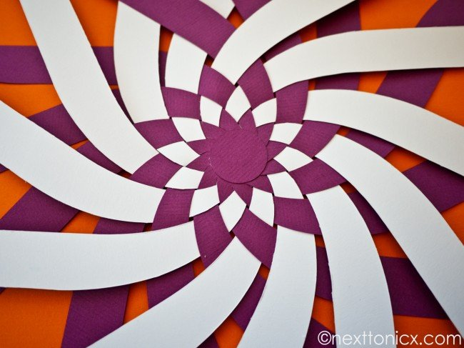 pretty-woven-paper-bauble04.jpg