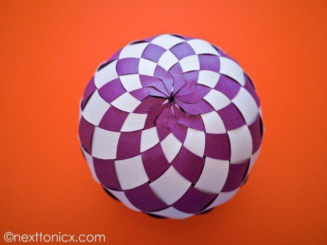 pretty-woven-paper-bauble05.jpg